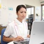 デイサービスの管理者が開設時に持っておくべき資格は何?